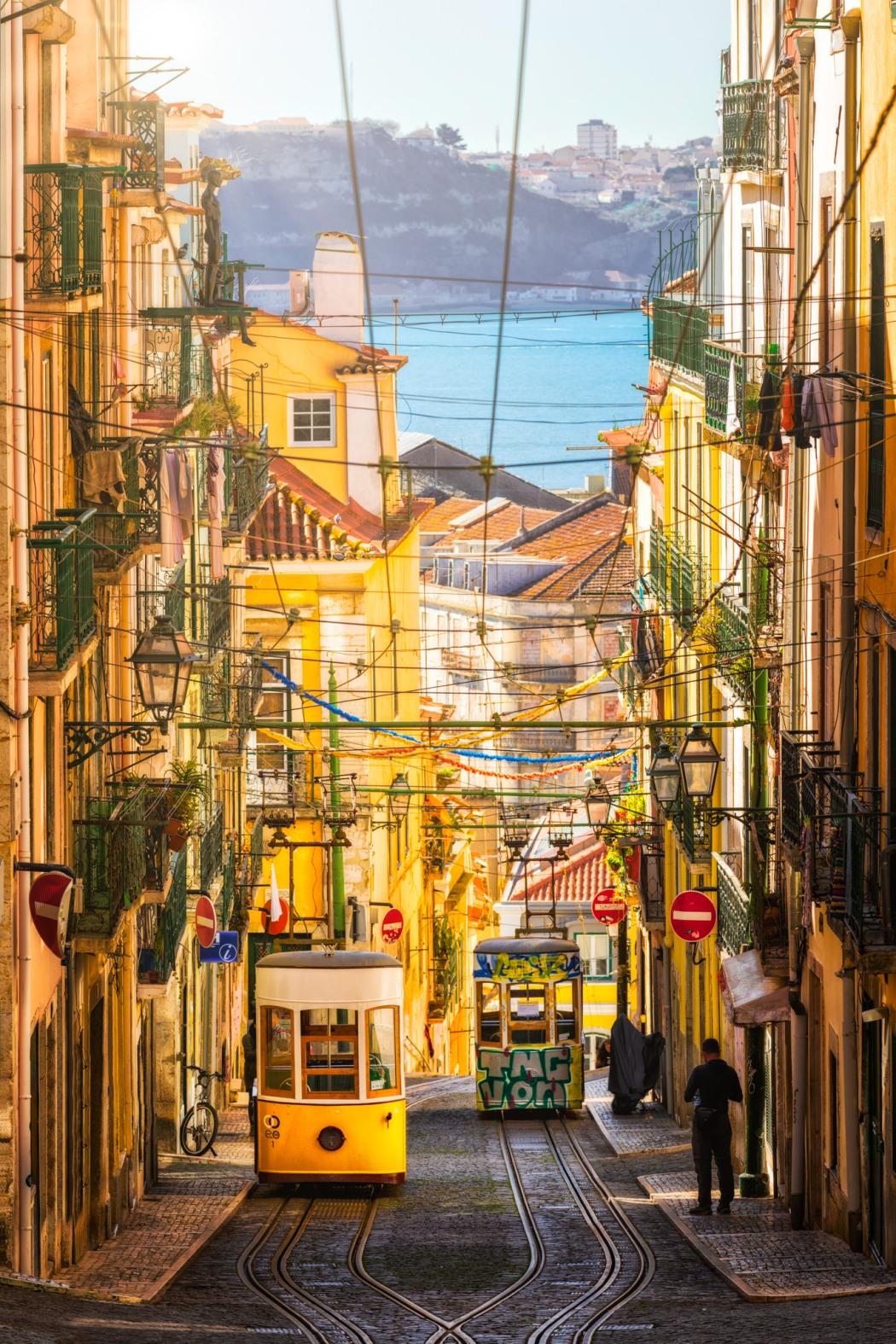 Bica-Funicular-Lisbon-Portugal-suuny